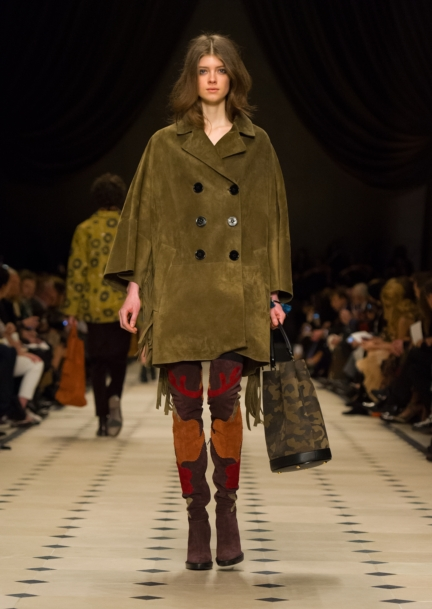 burberry-womenswear-autumn_winter-2015-collection-look-27