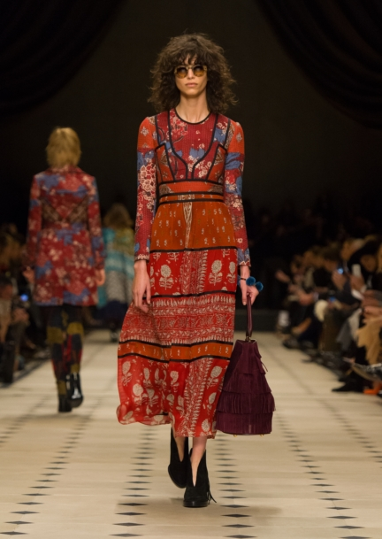 burberry-womenswear-autumn_winter-2015-collection-look-3