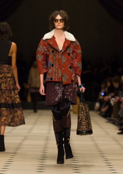 burberry-womenswear-autumn_winter-2015-collection-look-30