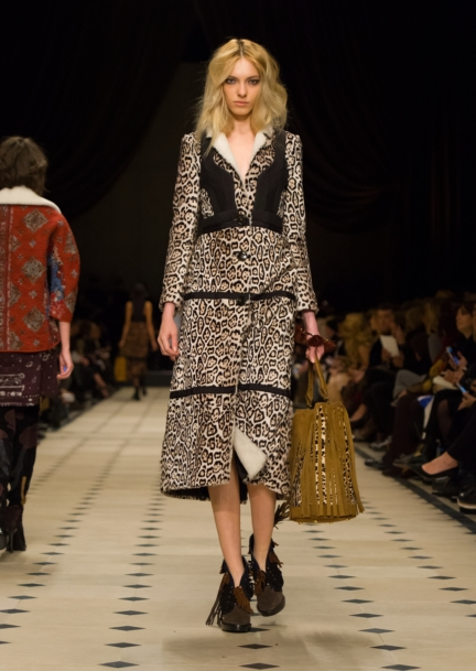 burberry-womenswear-autumn_winter-2015-collection-look-31