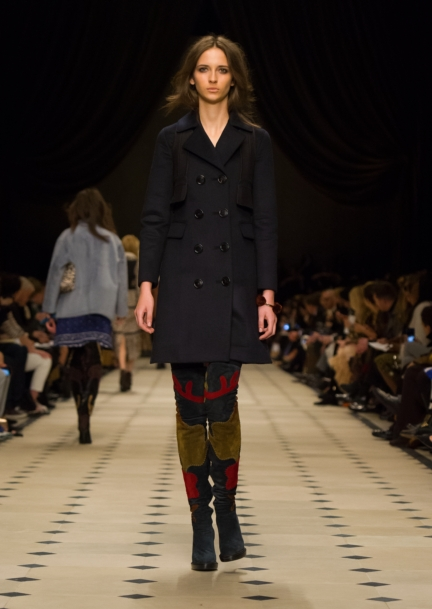 burberry-womenswear-autumn_winter-2015-collection-look-33