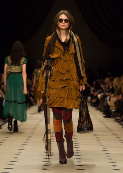 burberry-womenswear-autumn_winter-2015-collection-look-41