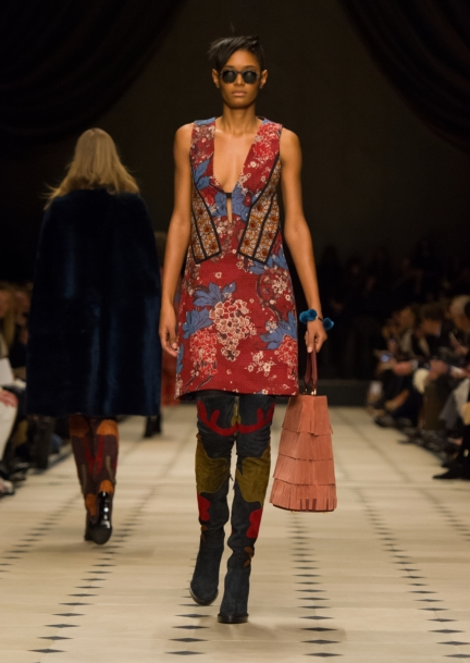 burberry-womenswear-autumn_winter-2015-collection-look-5