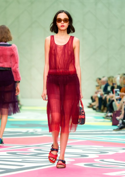 burberry-prorsum-womenswear-spring-summer-2015-collection-look-10