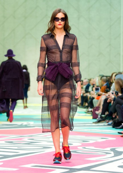 burberry-prorsum-womenswear-spring-summer-2015-collection-look-13