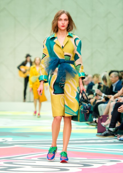 burberry-prorsum-womenswear-spring-summer-2015-collection-look-19