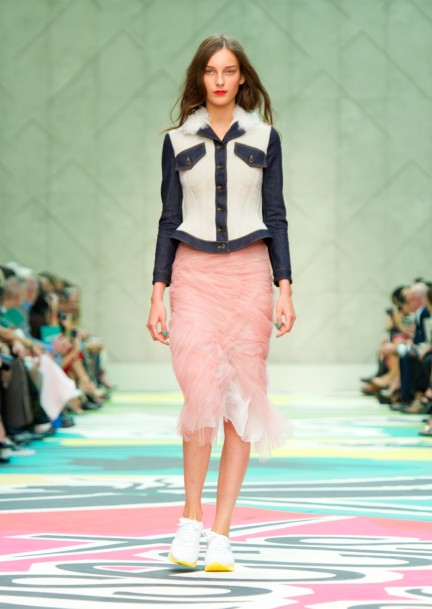 burberry-prorsum-womenswear-spring-summer-2015-collection-look-2