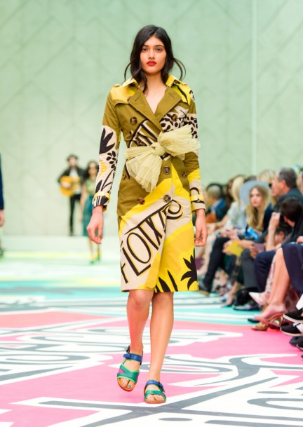 burberry-prorsum-womenswear-spring-summer-2015-collection-look-22