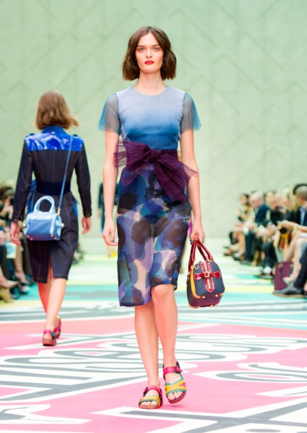 burberry-prorsum-womenswear-spring-summer-2015-collection-look-30