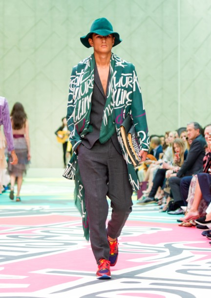 burberry-prorsum-womenswear-spring-summer-2015-collection-look-45