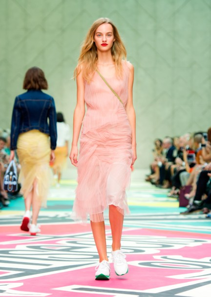 burberry-prorsum-womenswear-spring-summer-2015-collection-look-7