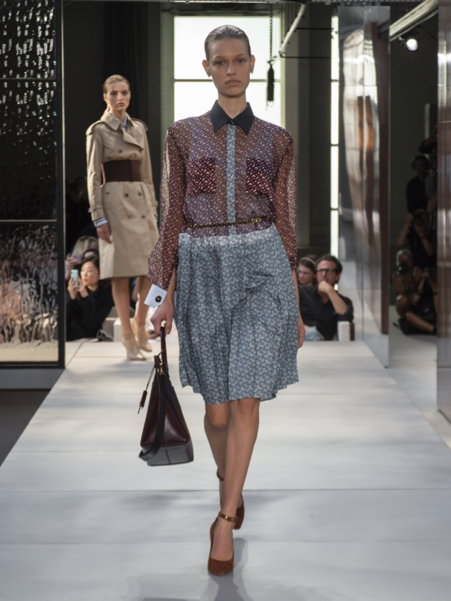 burberry-spring_summer-2019-collection-look-02