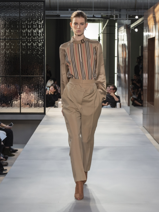 burberry-spring_summer-2019-collection-look-06