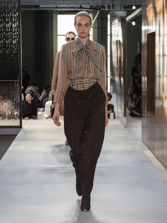 burberry-spring_summer-2019-collection-look-08