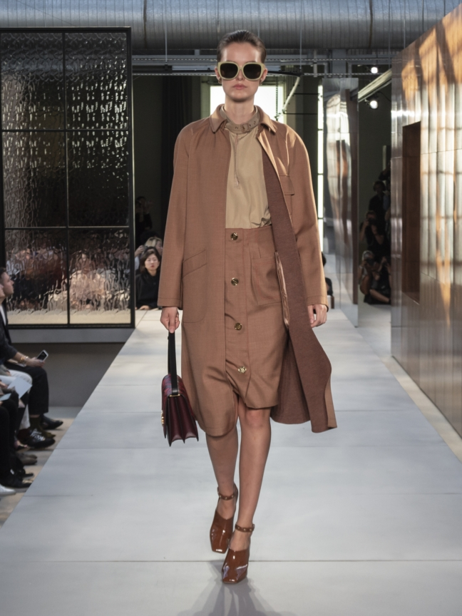 burberry-spring_summer-2019-collection-look-09