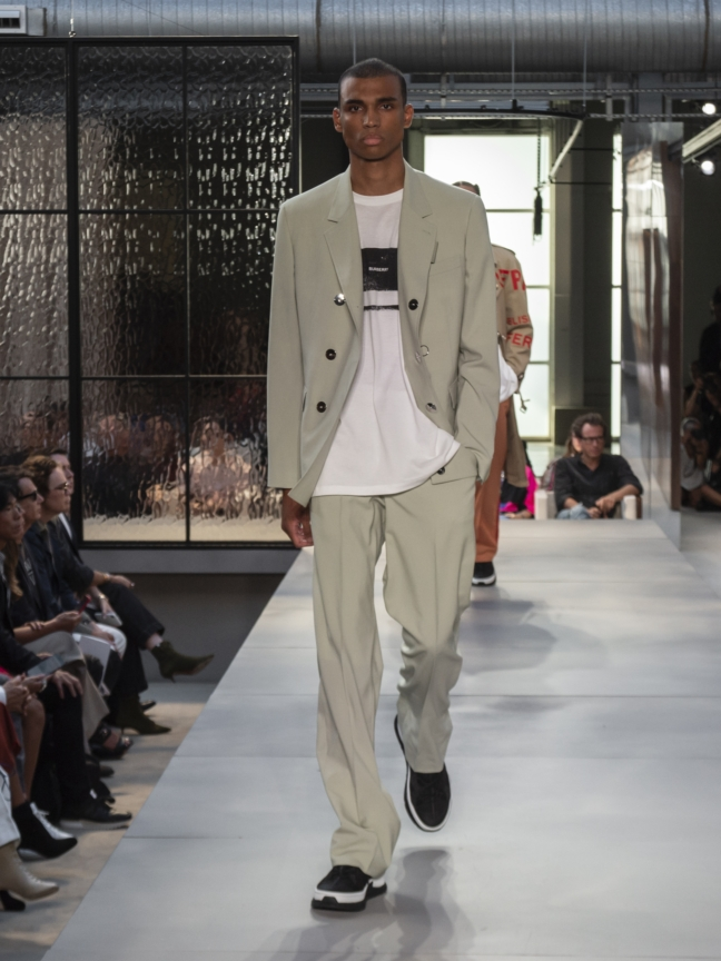 burberry-spring_summer-2019-collection-look-100
