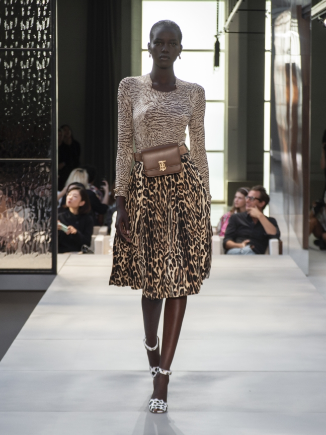 burberry-spring_summer-2019-collection-look-12
