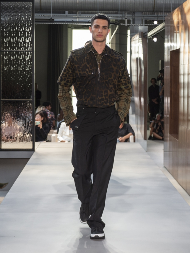 burberry-spring_summer-2019-collection-look-126