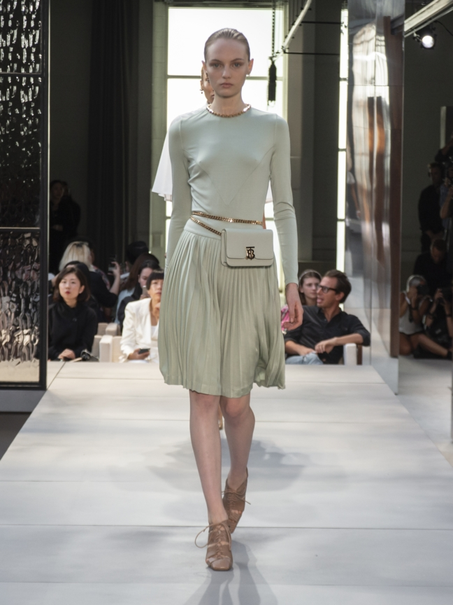 burberry-spring_summer-2019-collection-look-14