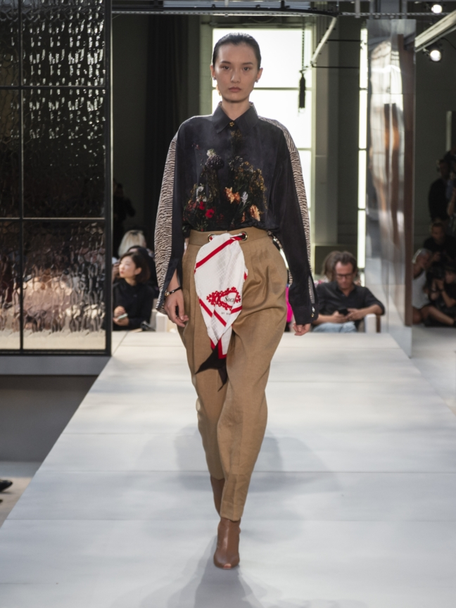 burberry-spring_summer-2019-collection-look-19