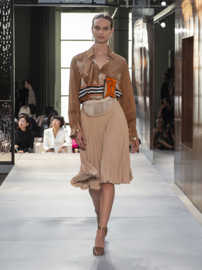 burberry-spring_summer-2019-collection-look-24