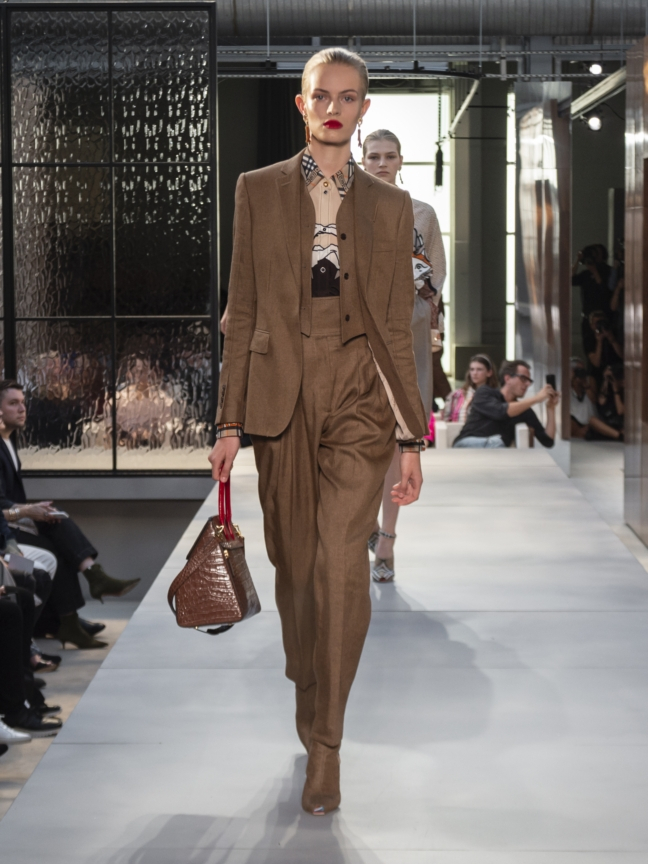 burberry-spring_summer-2019-collection-look-32