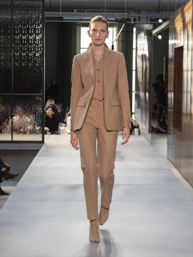 burberry-spring_summer-2019-collection-look-36
