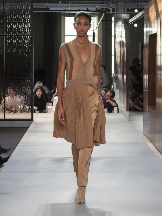 burberry-spring_summer-2019-collection-look-37