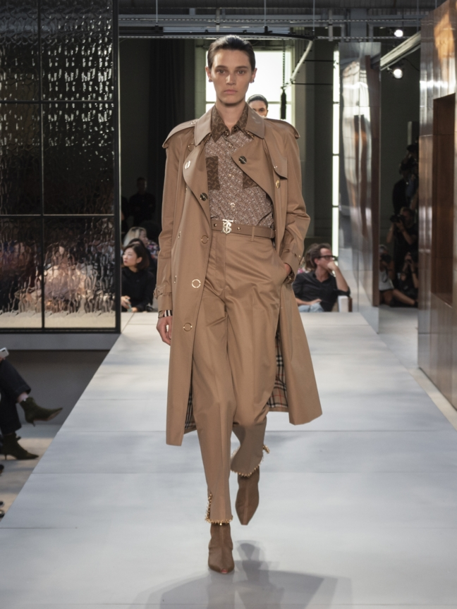 burberry-spring_summer-2019-collection-look-42