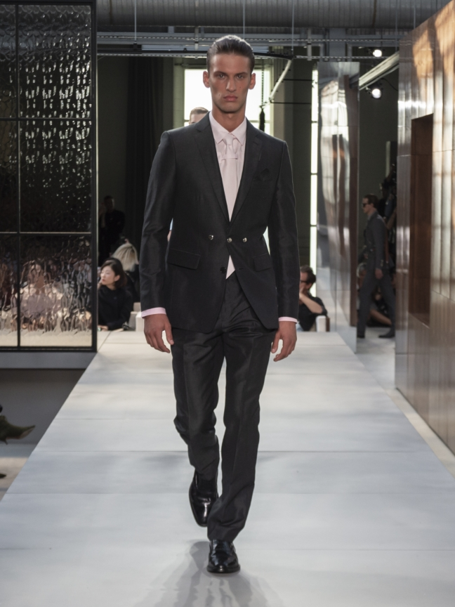 burberry-spring_summer-2019-collection-look-53