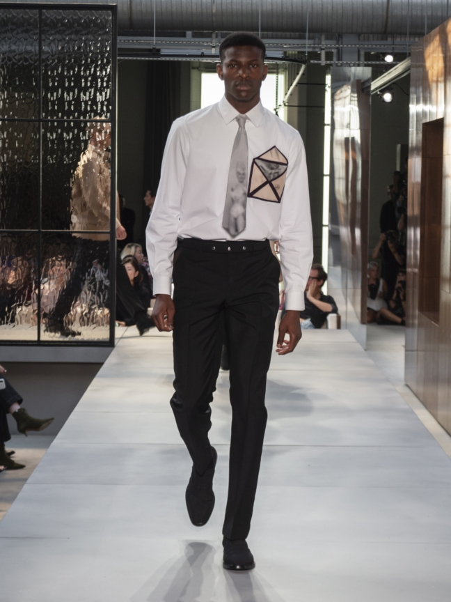 burberry-spring_summer-2019-collection-look-60
