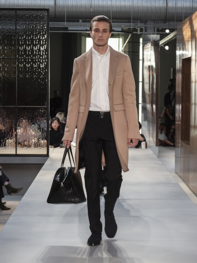 burberry-spring_summer-2019-collection-look-61