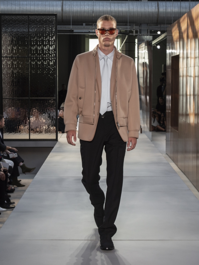 burberry-spring_summer-2019-collection-look-62