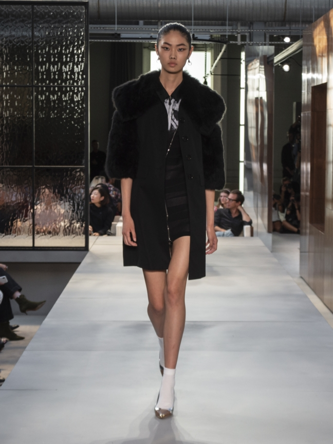 burberry-spring_summer-2019-collection-look-70