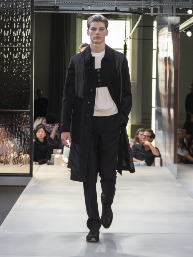burberry-spring_summer-2019-collection-look-77_002