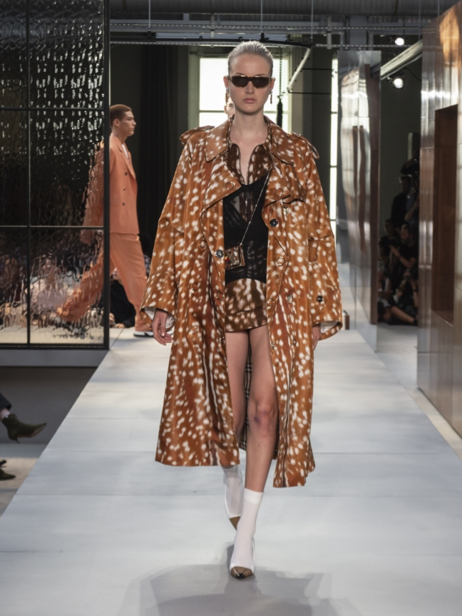 burberry-spring_summer-2019-collection-look-96