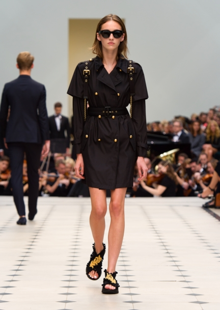 burberry-womenswear-s_s16-collection-look-16