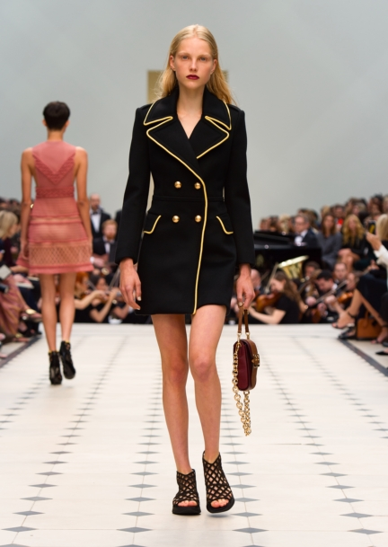 burberry-womenswear-s_s16-collection-look-21