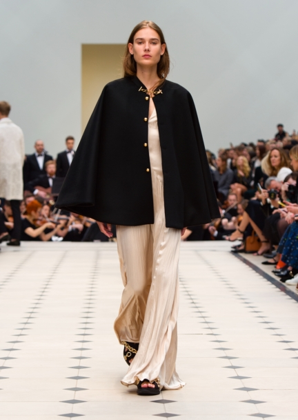 burberry-womenswear-s_s16-collection-look-41
