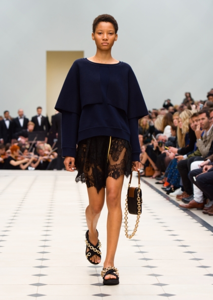 burberry-womenswear-s_s16-collection-look-42