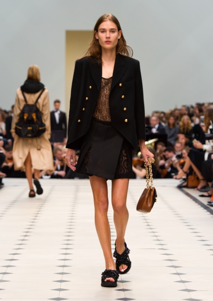 burberry-womenswear-s_s16-collection-look-5