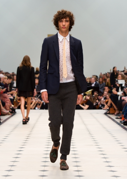 burberry-womenswear-s_s16-collection-look-6