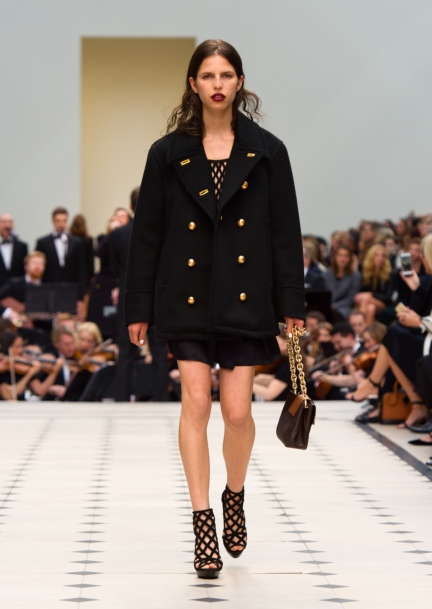 burberry-womenswear-s_s16-collection-look-7