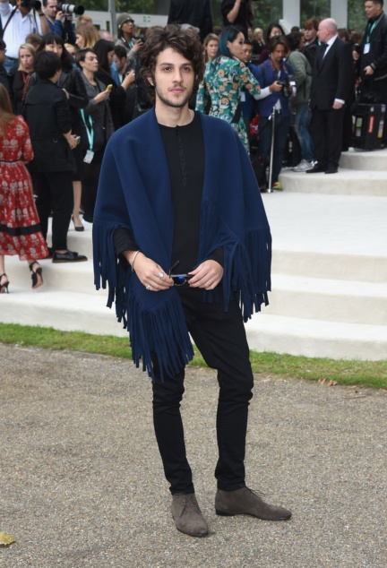 chay-suede-wearing-burberry-at-the-burberry-womenswear-s_s16-show