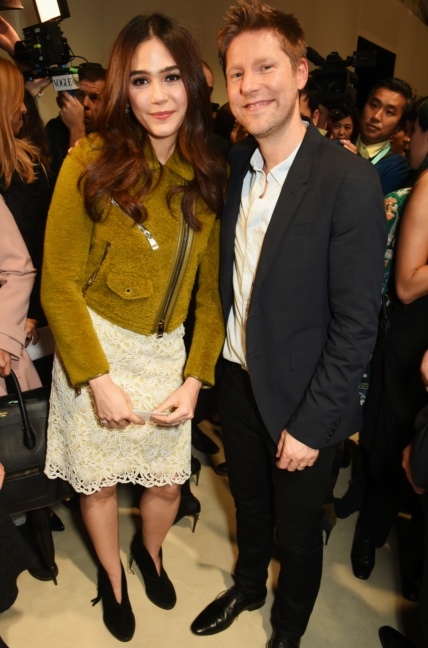 christopher-bailey-and-araya-a-hargate-at-the-burberry-womenswear-s_s16-show