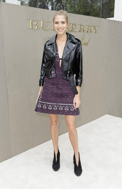 elena-perminova-wearing-burberry-at-the-burberry-womenswear-s_s16-show