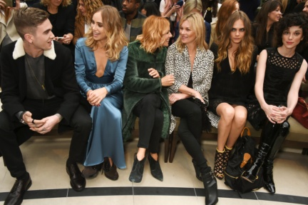 front-row-at-the-burberry-womenswear-s_s16-sho_001