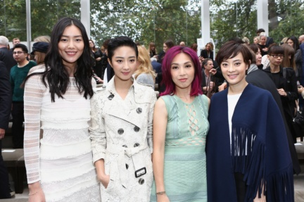 liu-wen-guey-lun-mei-miriam-yeung-and-sun-li-wearing-burberry-at-the-burberry-womenswear-s_s16-show