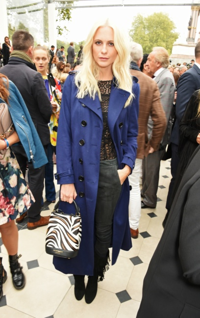 poppy-delevingne-wearing-burberry-at-the-burberry-womenswear-s_s16-show