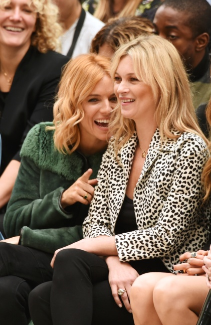 sienna-miller-and-kate-moss-on-the-front-row-at-the-burberry-womenswear-s_s16-show